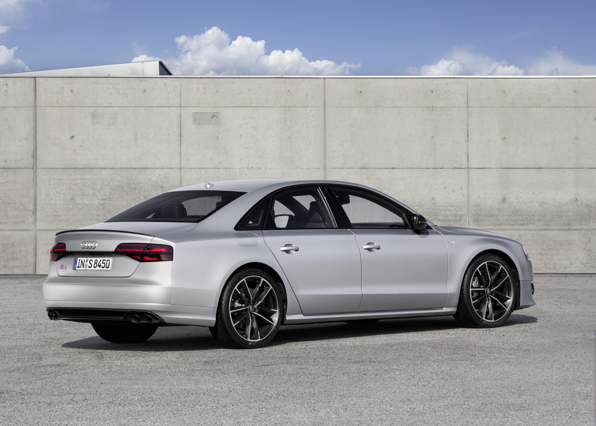 AudiS8plus 02