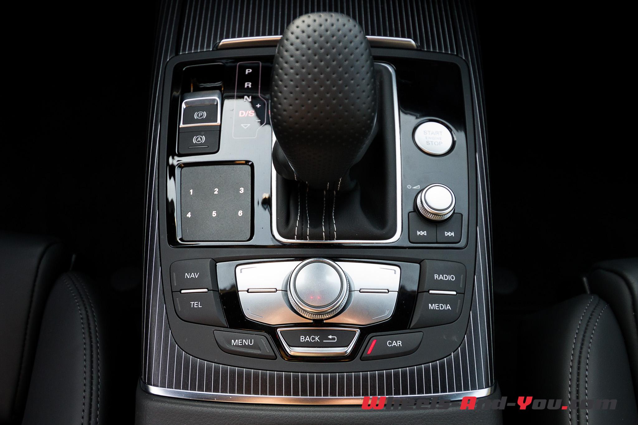 Audi A6-11