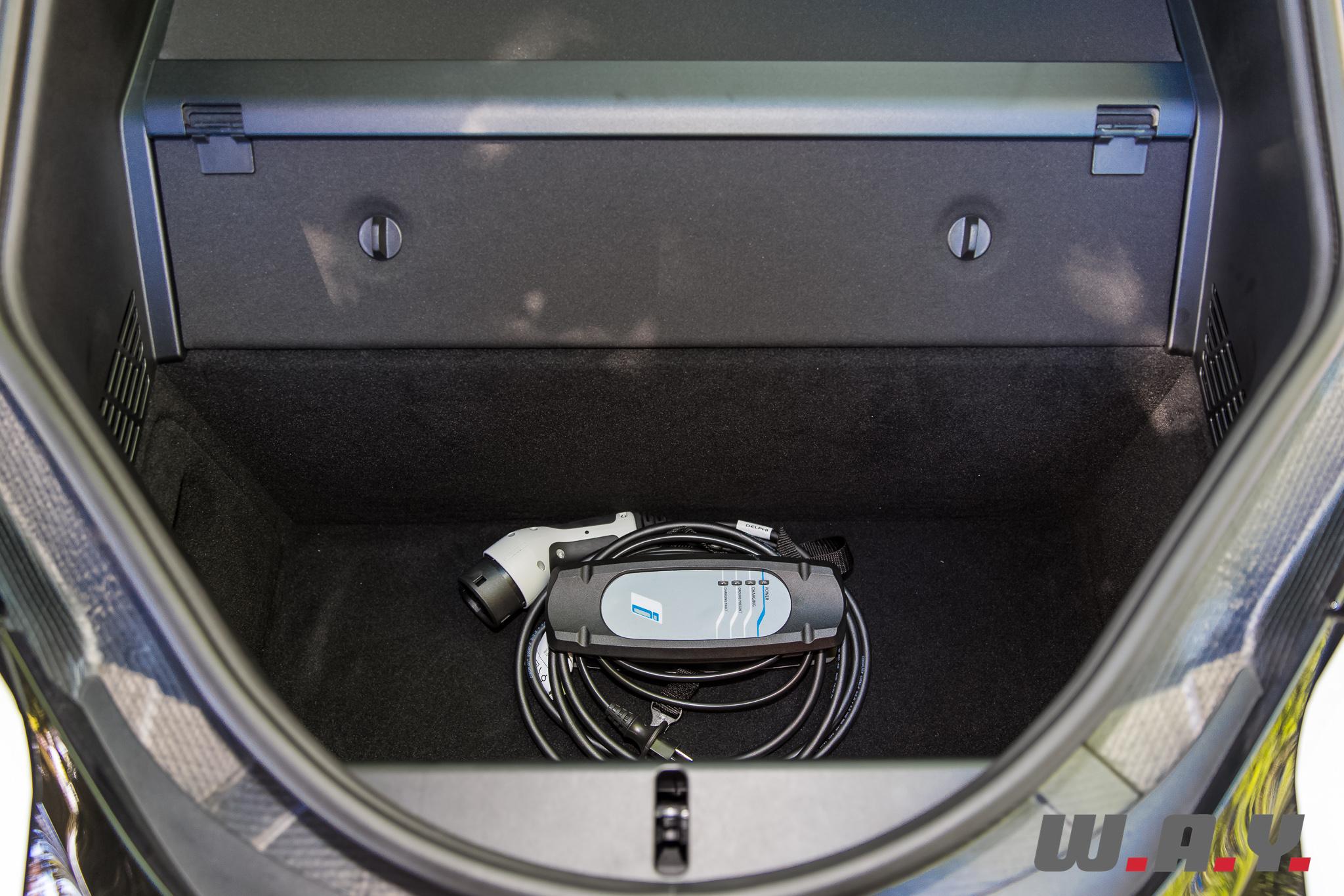 BMWi8-10