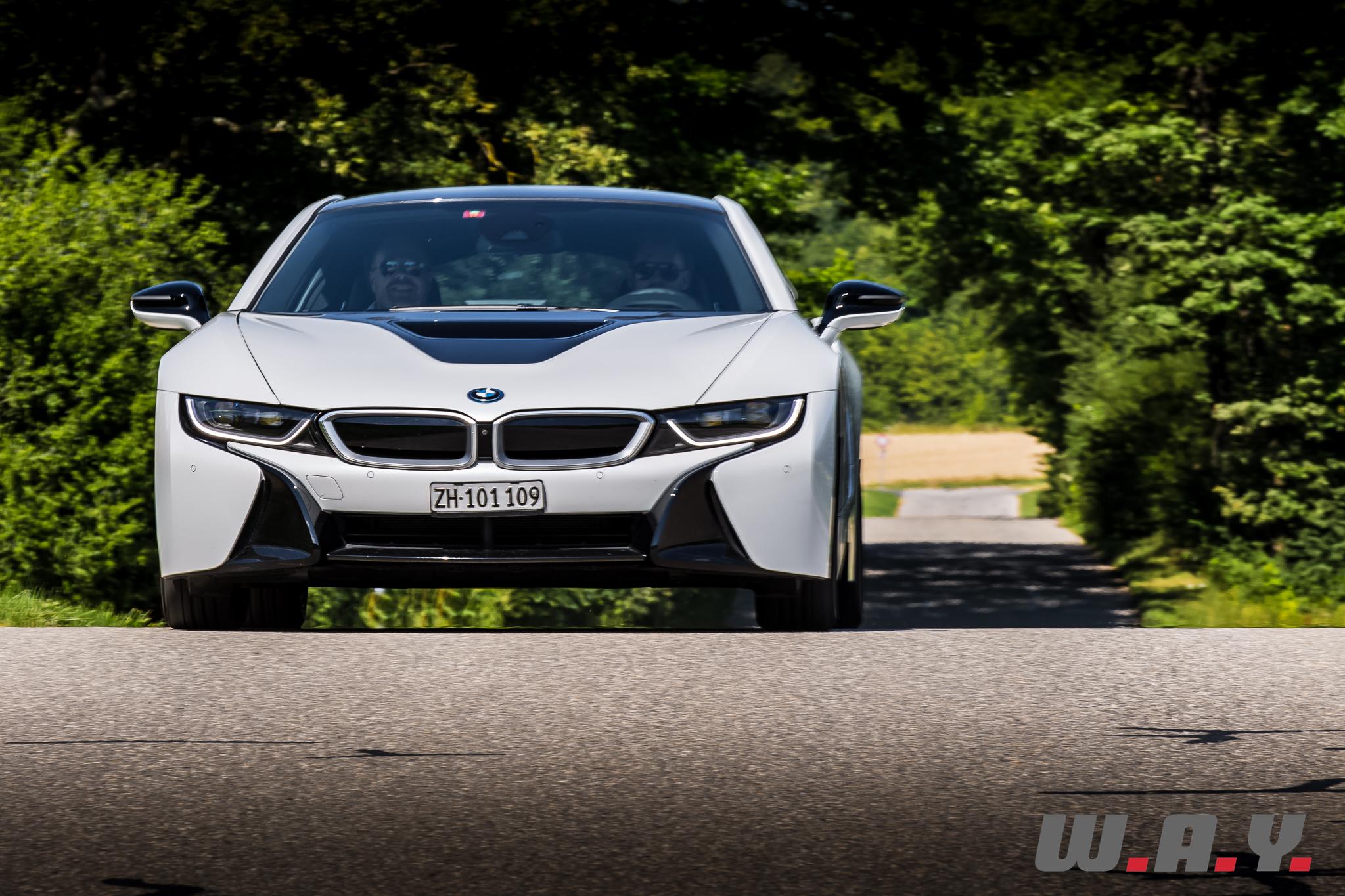 BMWi8-18