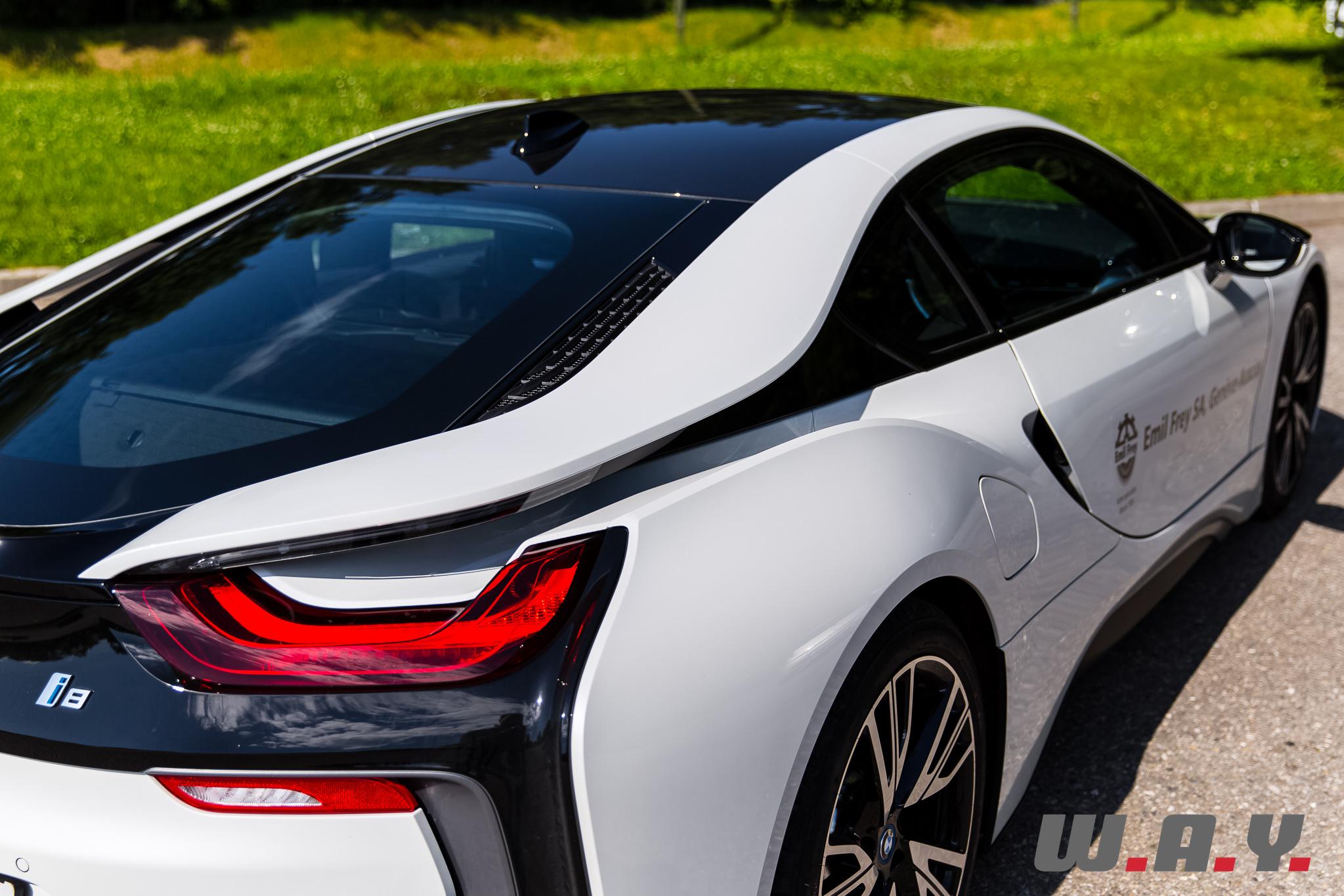 BMWi8-30