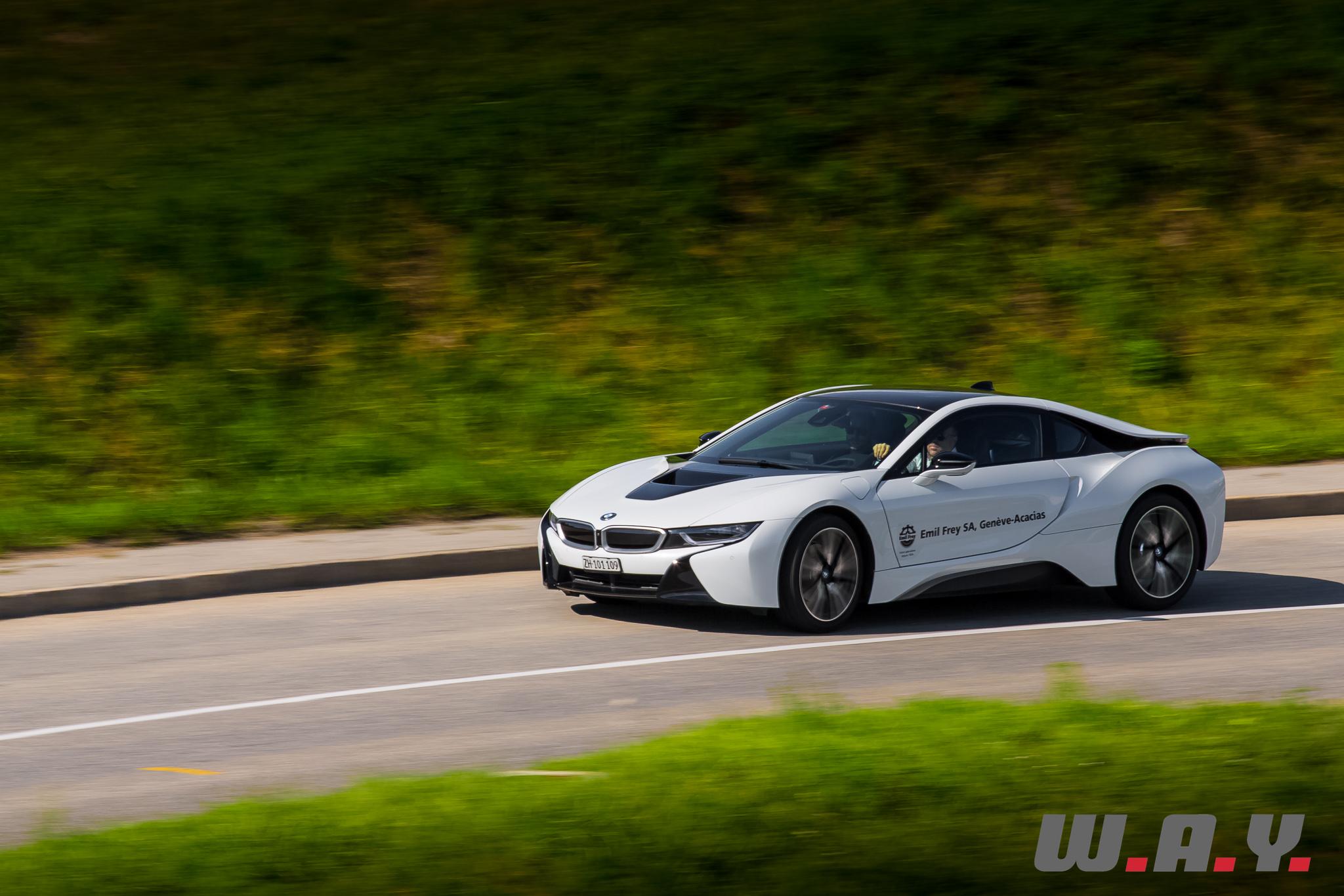 BMWi8-38