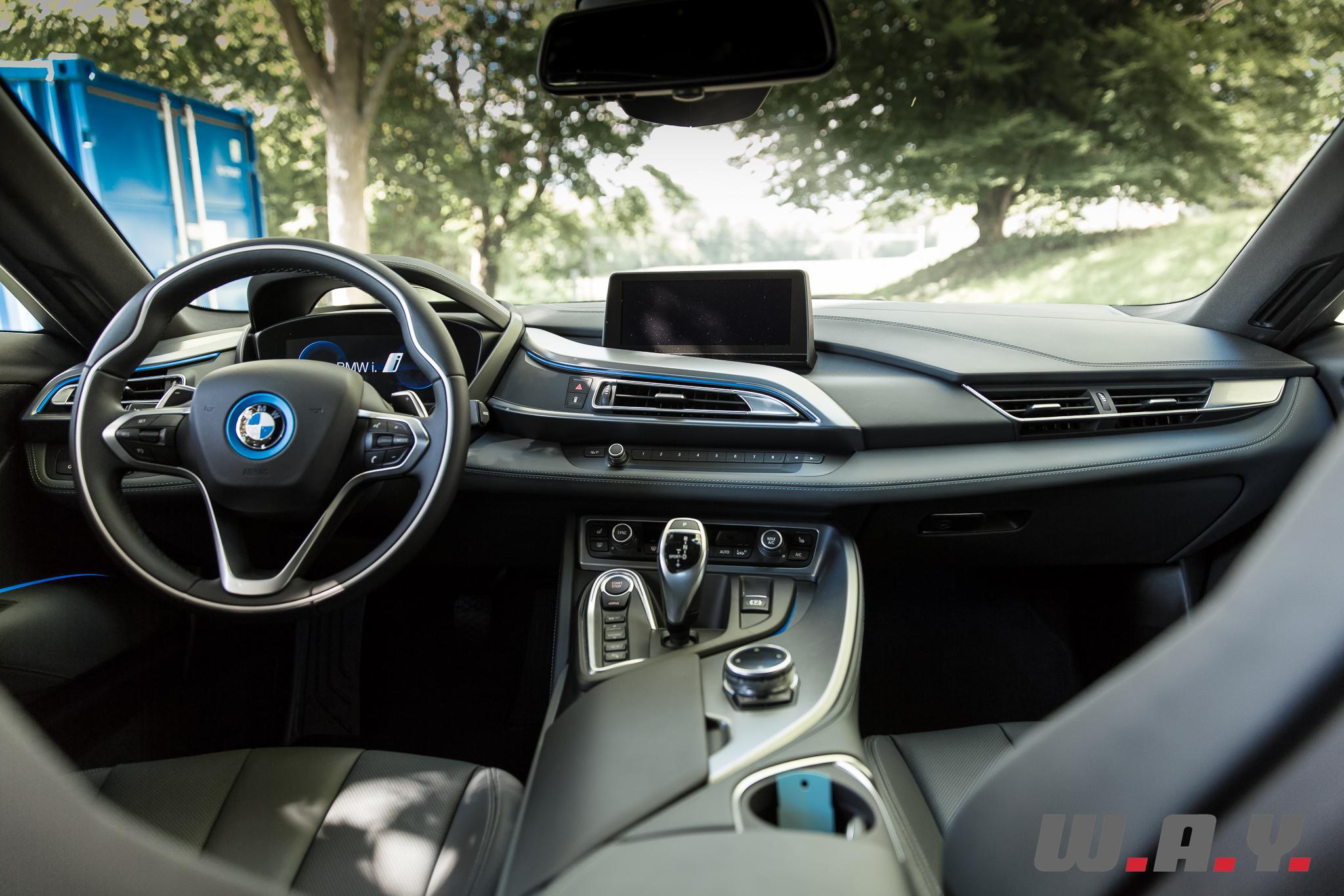 BMWi8-9