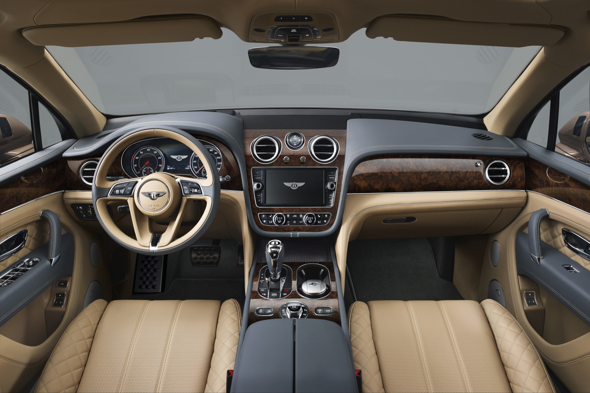 BentleyBentayga 03