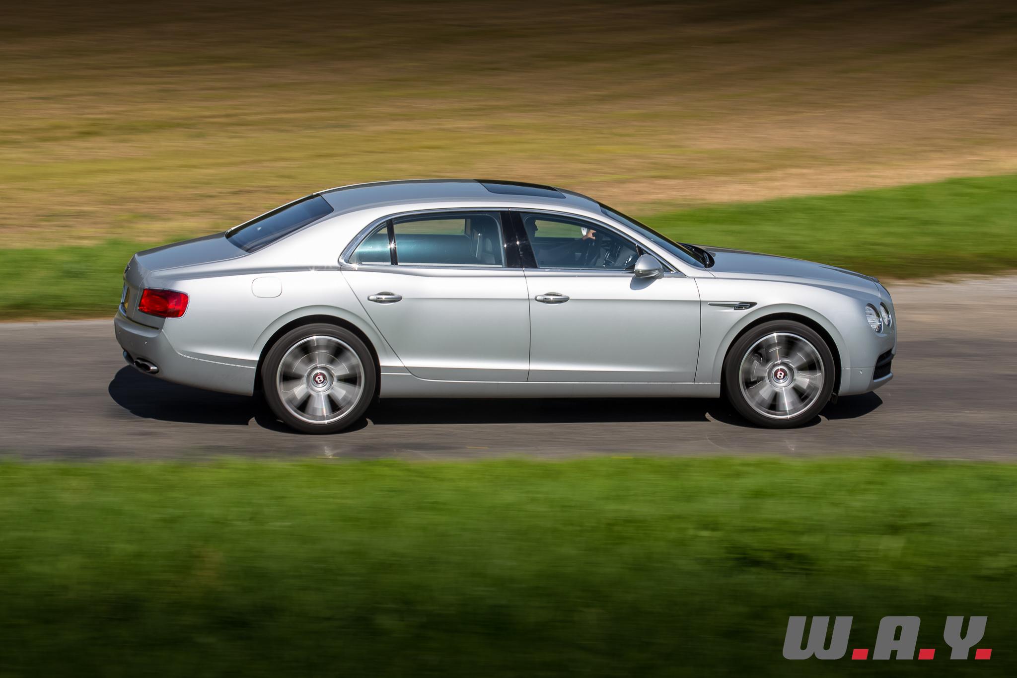 BentleyFlyingSpurV8-12