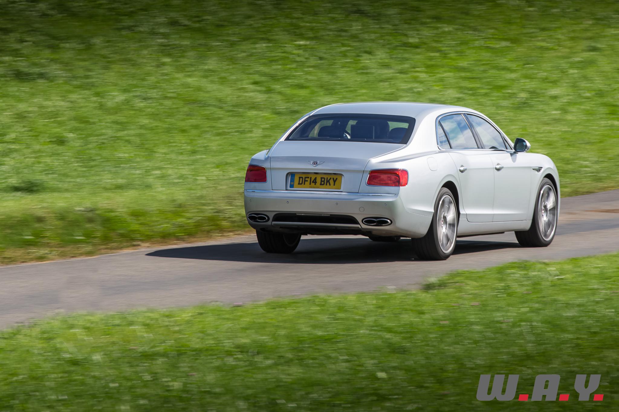 BentleyFlyingSpurV8-14
