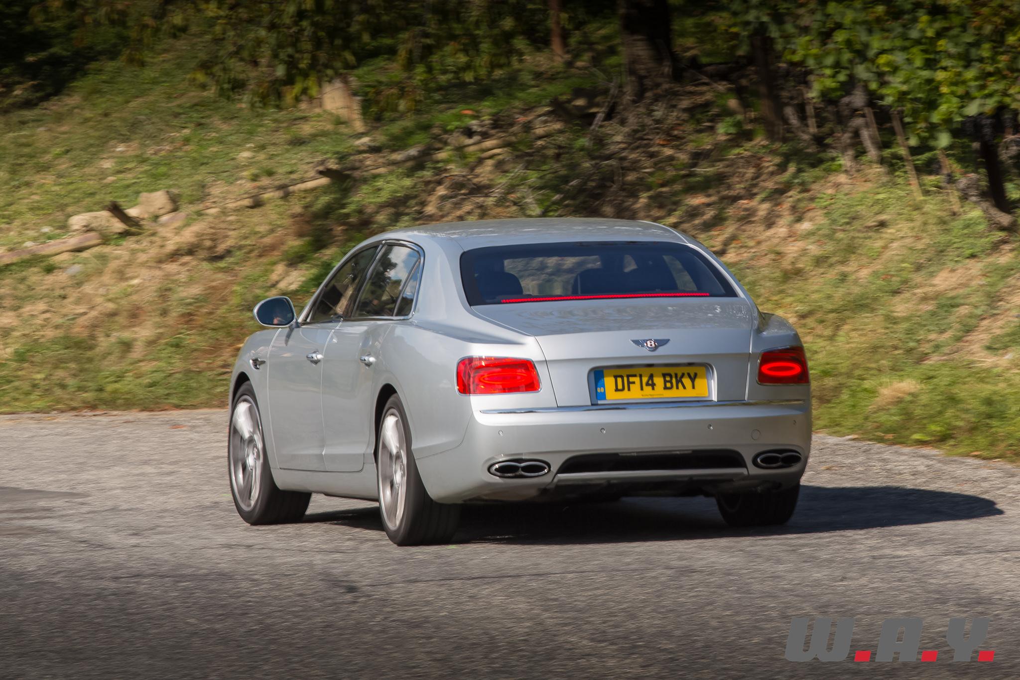 BentleyFlyingSpurV8-20