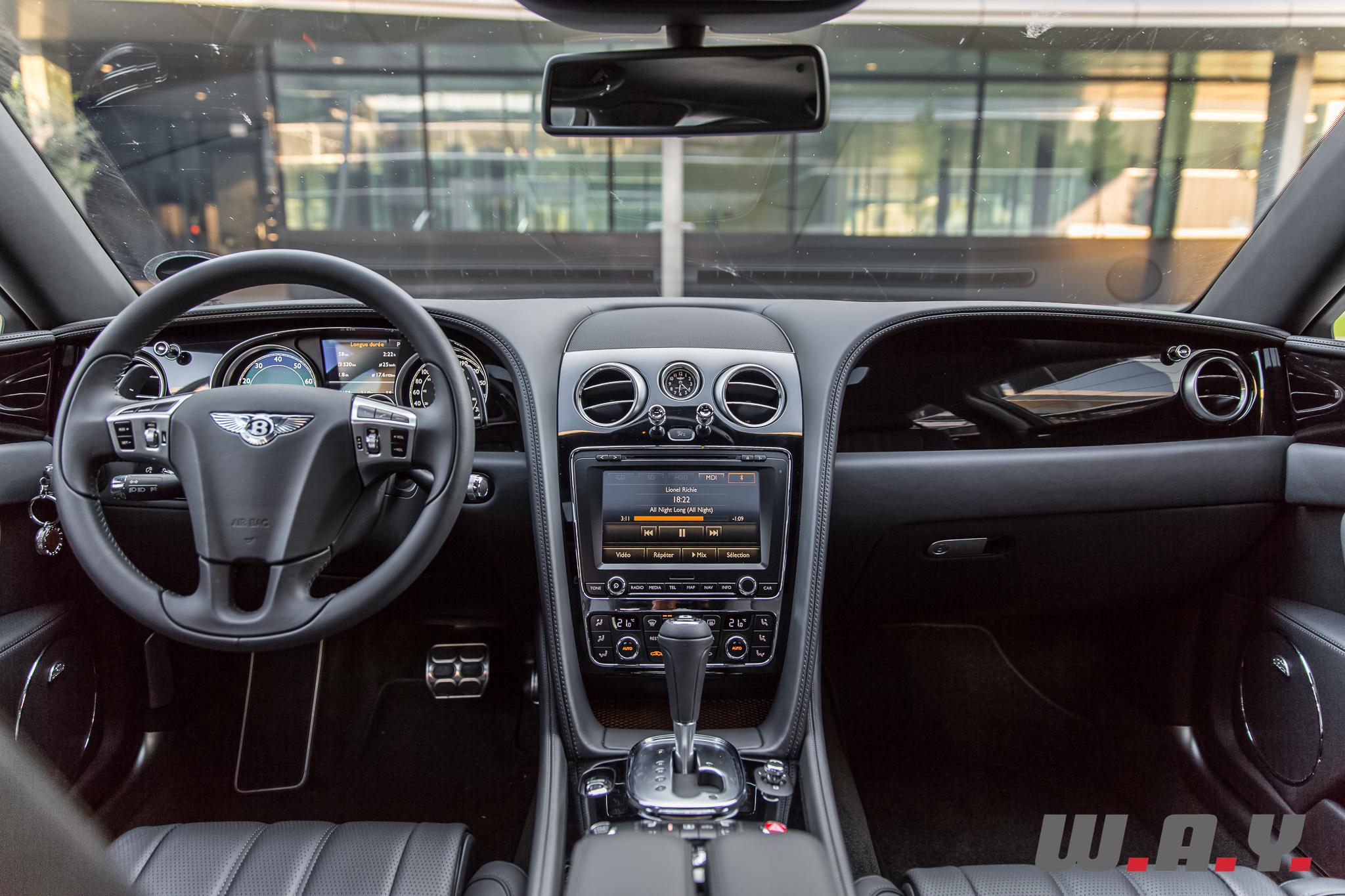 BentleyFlyingSpurV8-39