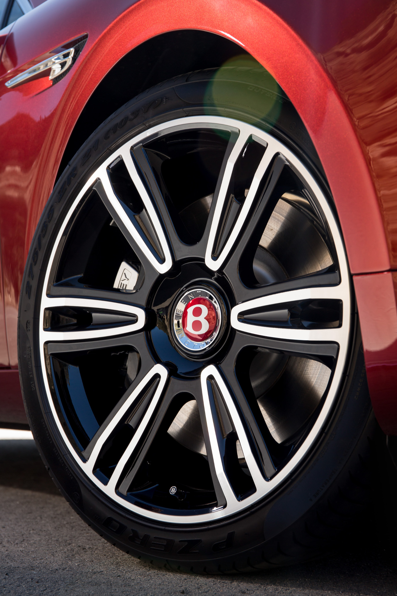 BentleyFlyingSpurV8S 05