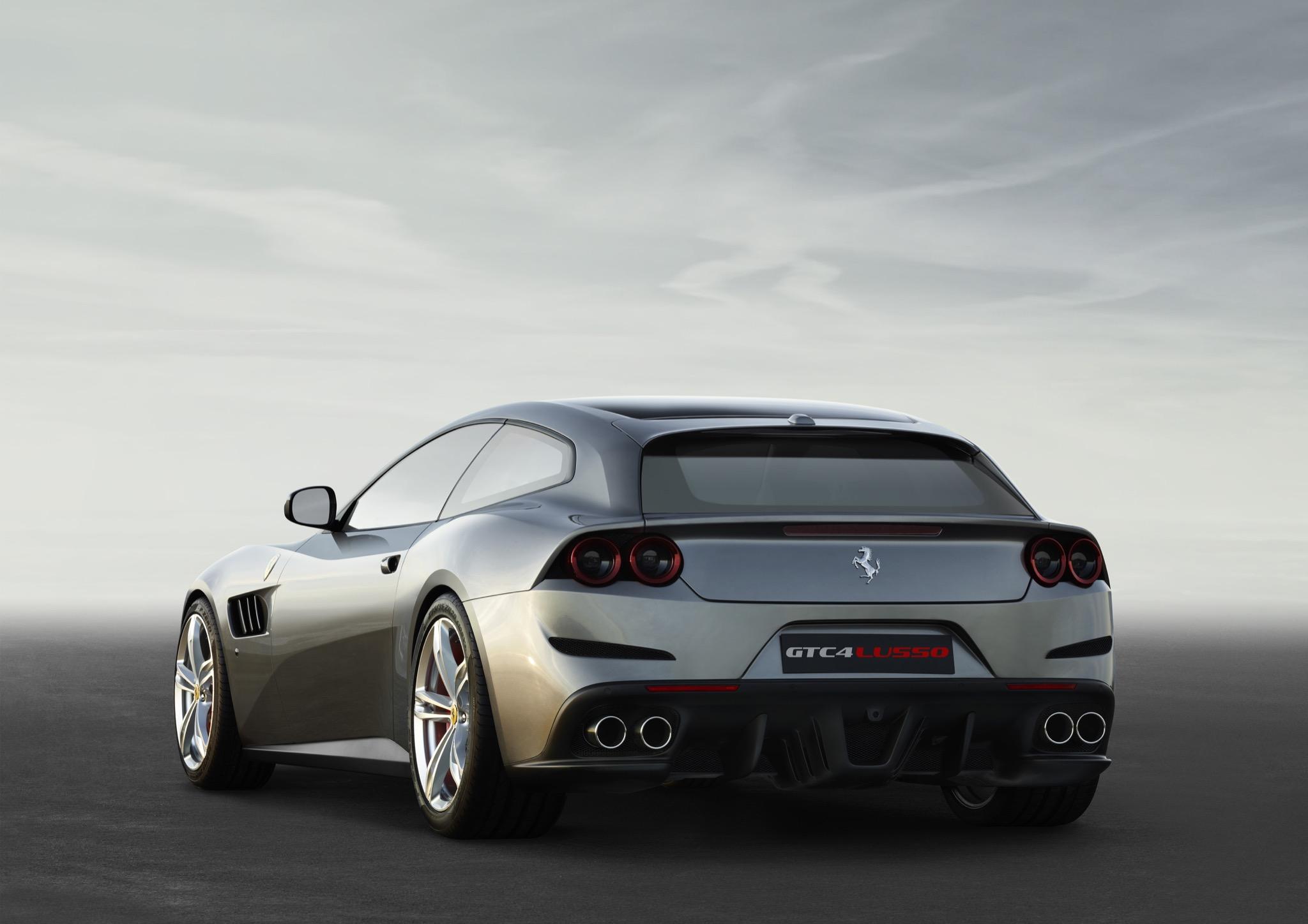 FerrariGTC4Lusso 02