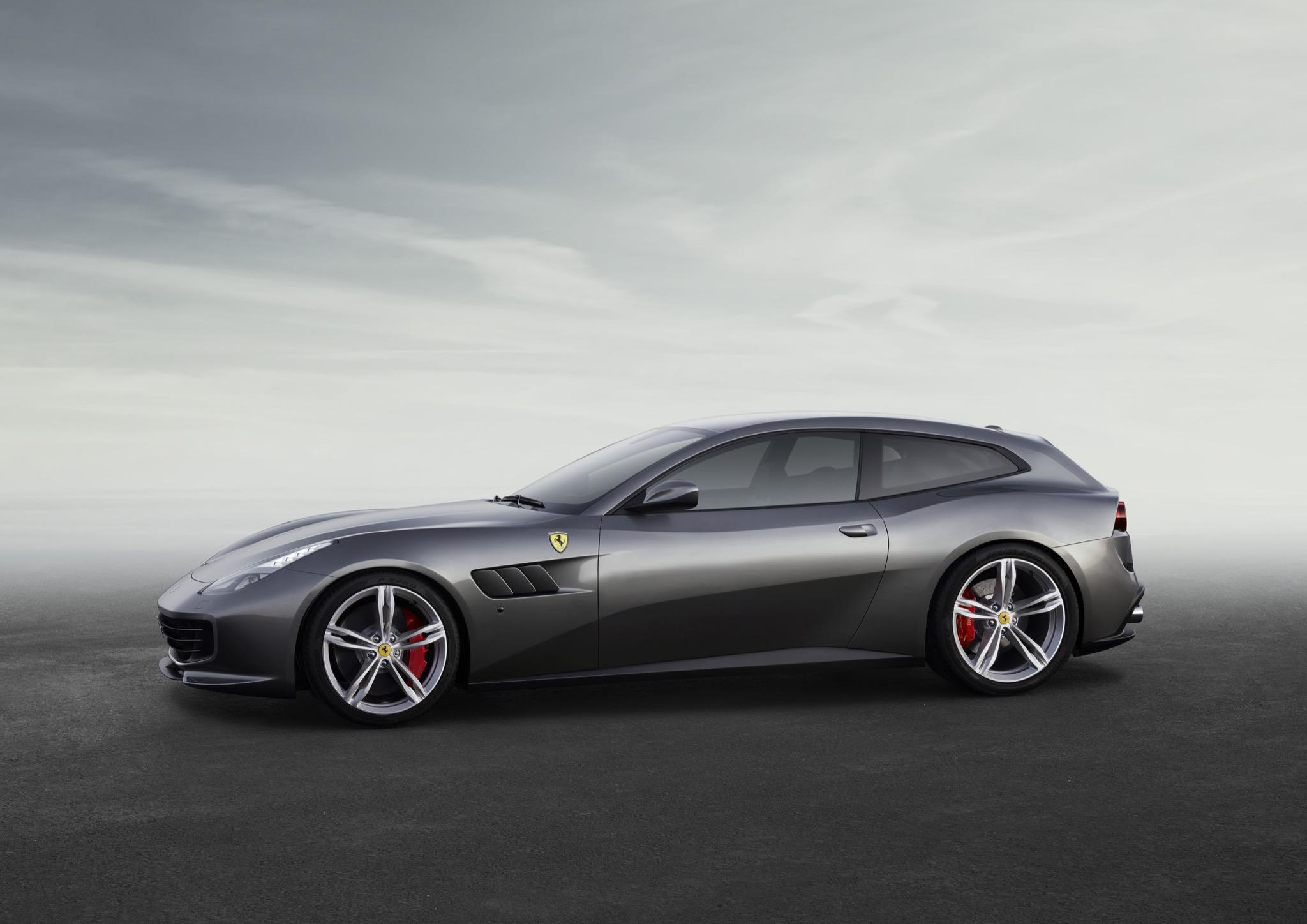 FerrariGTC4Lusso 05