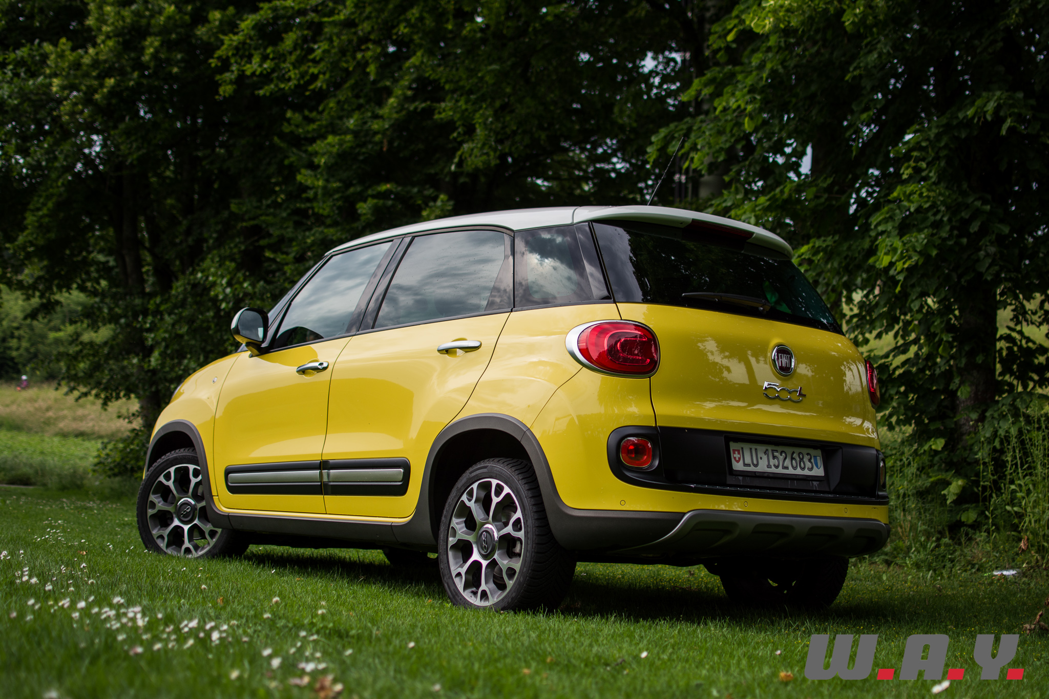 essai fiat 500l trekking la 500 des champs wheels and. Black Bedroom Furniture Sets. Home Design Ideas