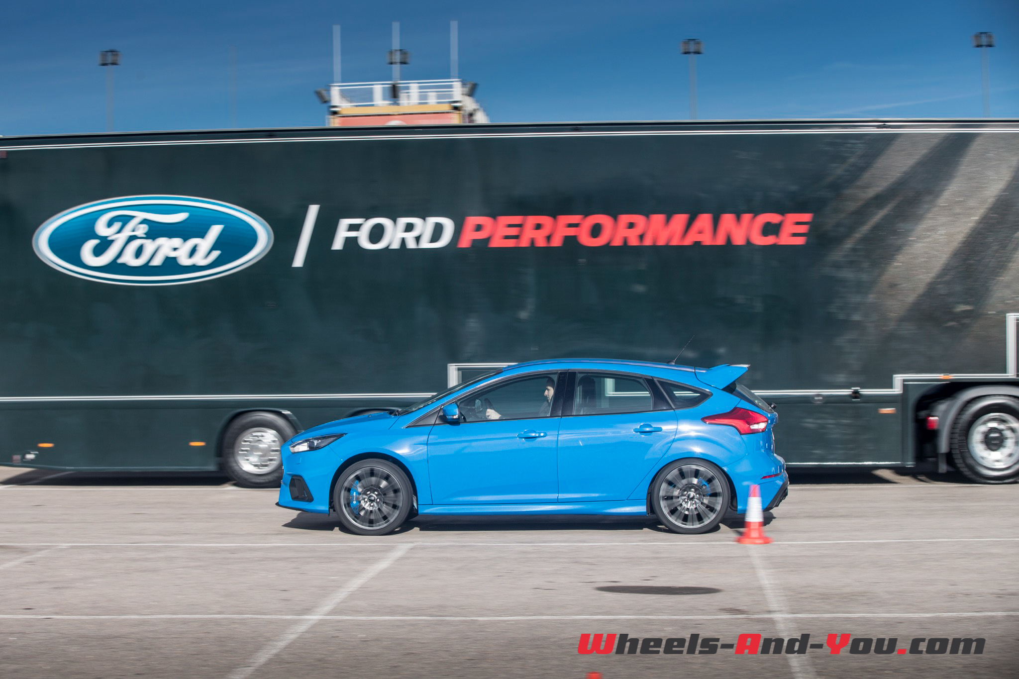 Ford Focus RS-27