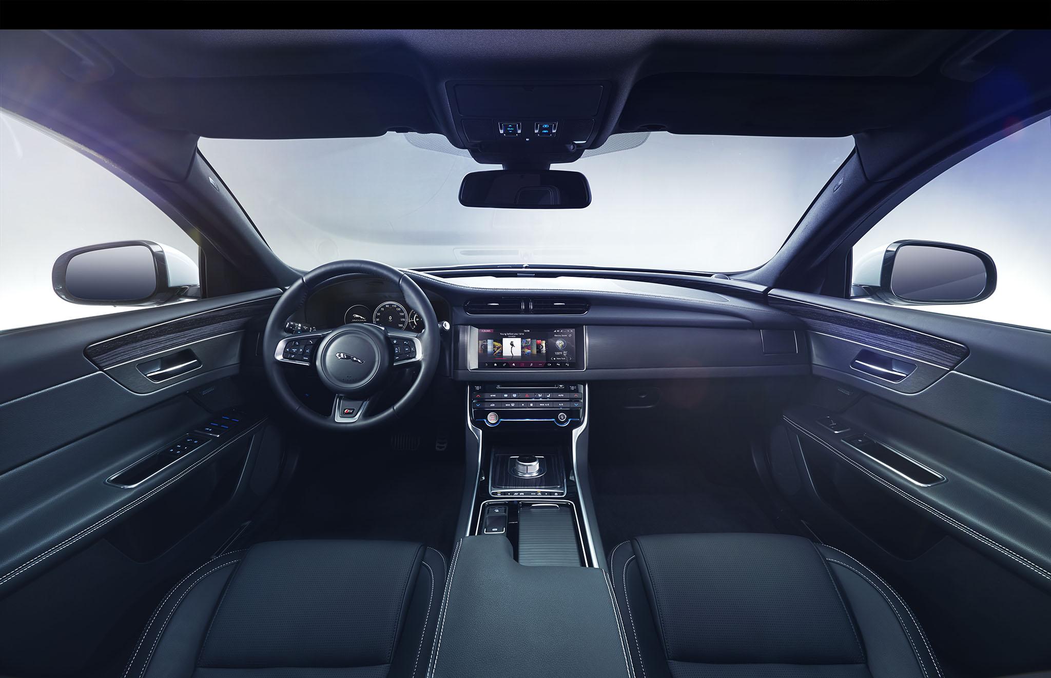 JaguarXF 03