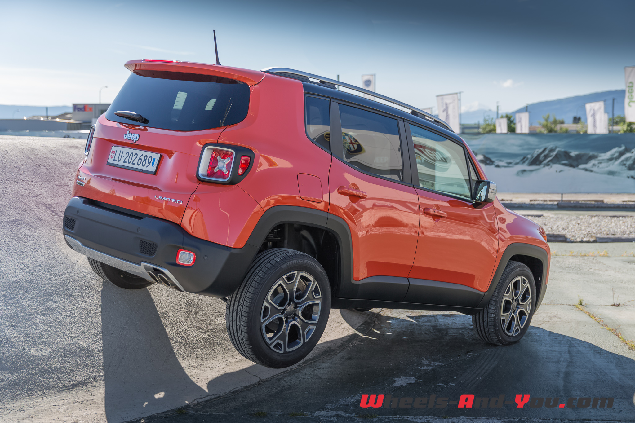 essai jeep renegade la l gende continue wheels and. Black Bedroom Furniture Sets. Home Design Ideas