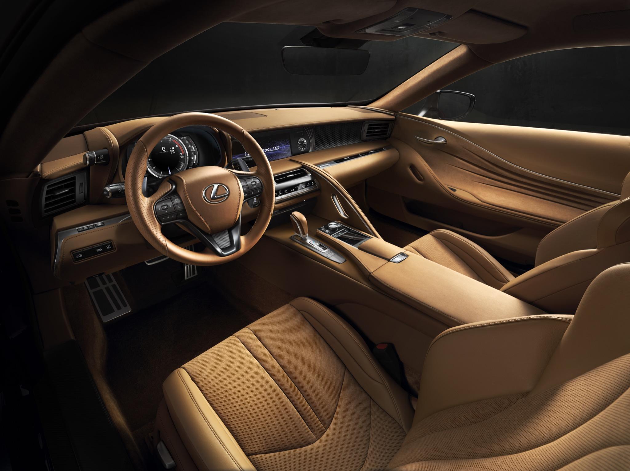 LexusLC500 04