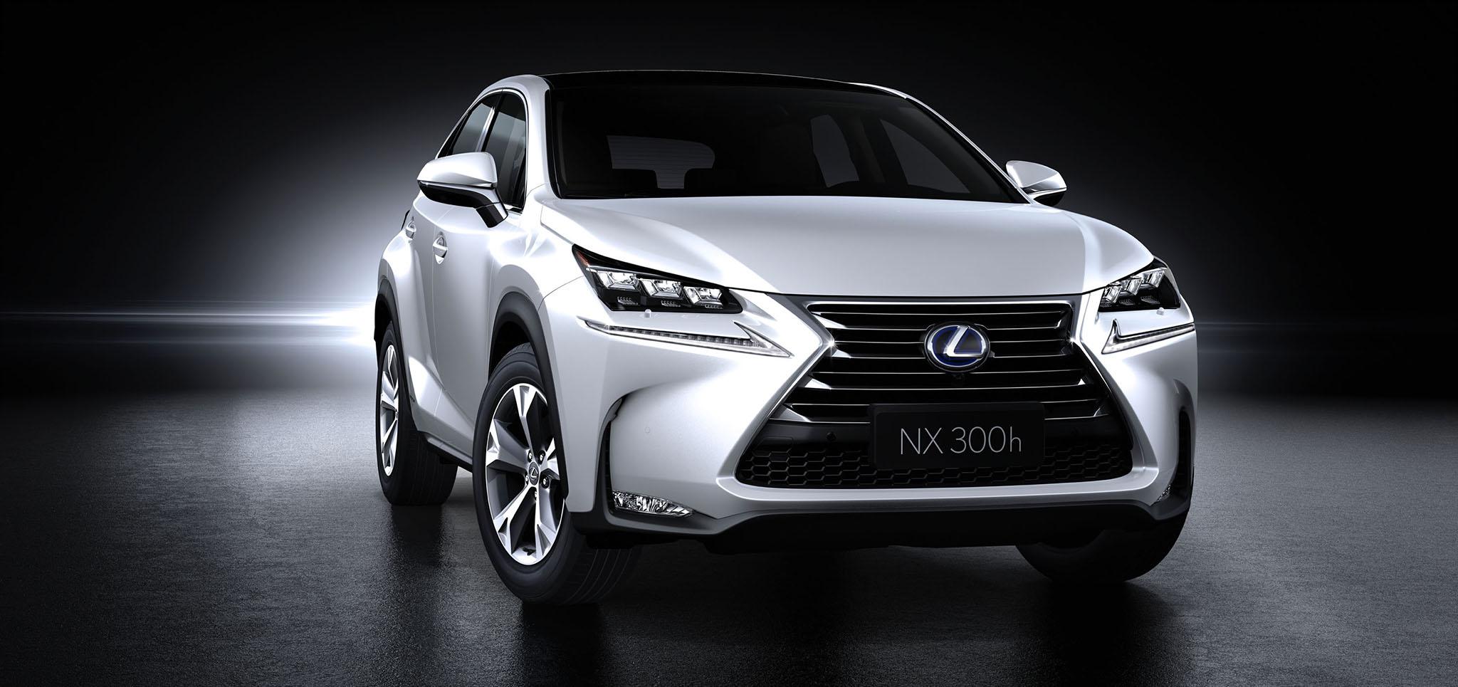 LexusNX 05