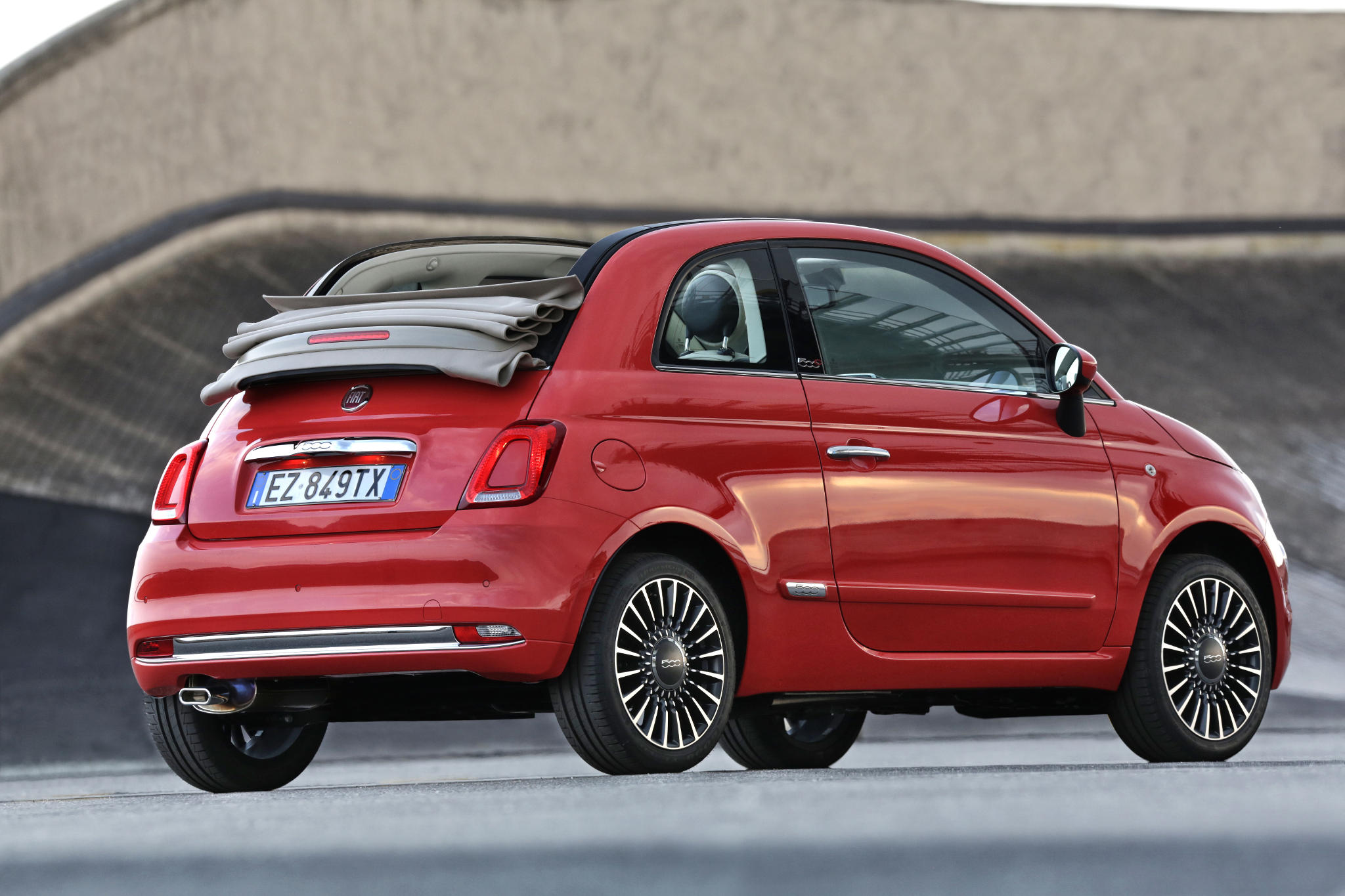 NewFiat500 02