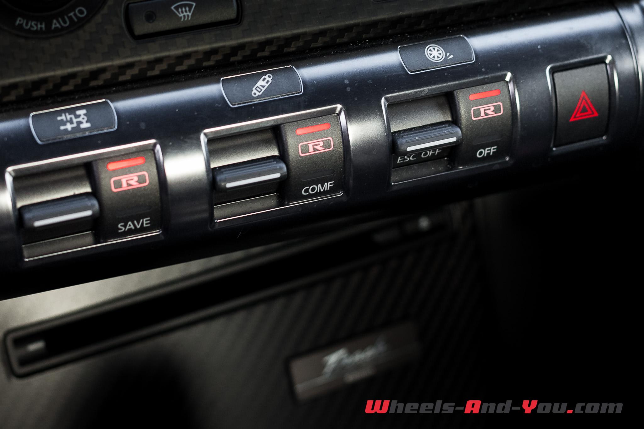 Nissan GTR 13