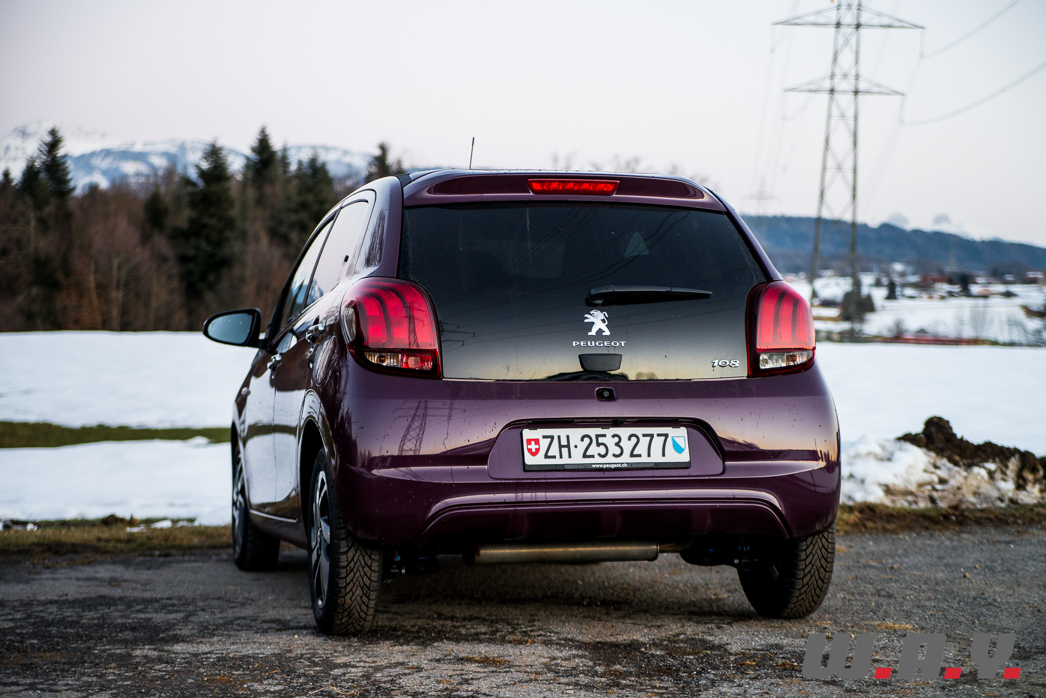 Peugeot108-8
