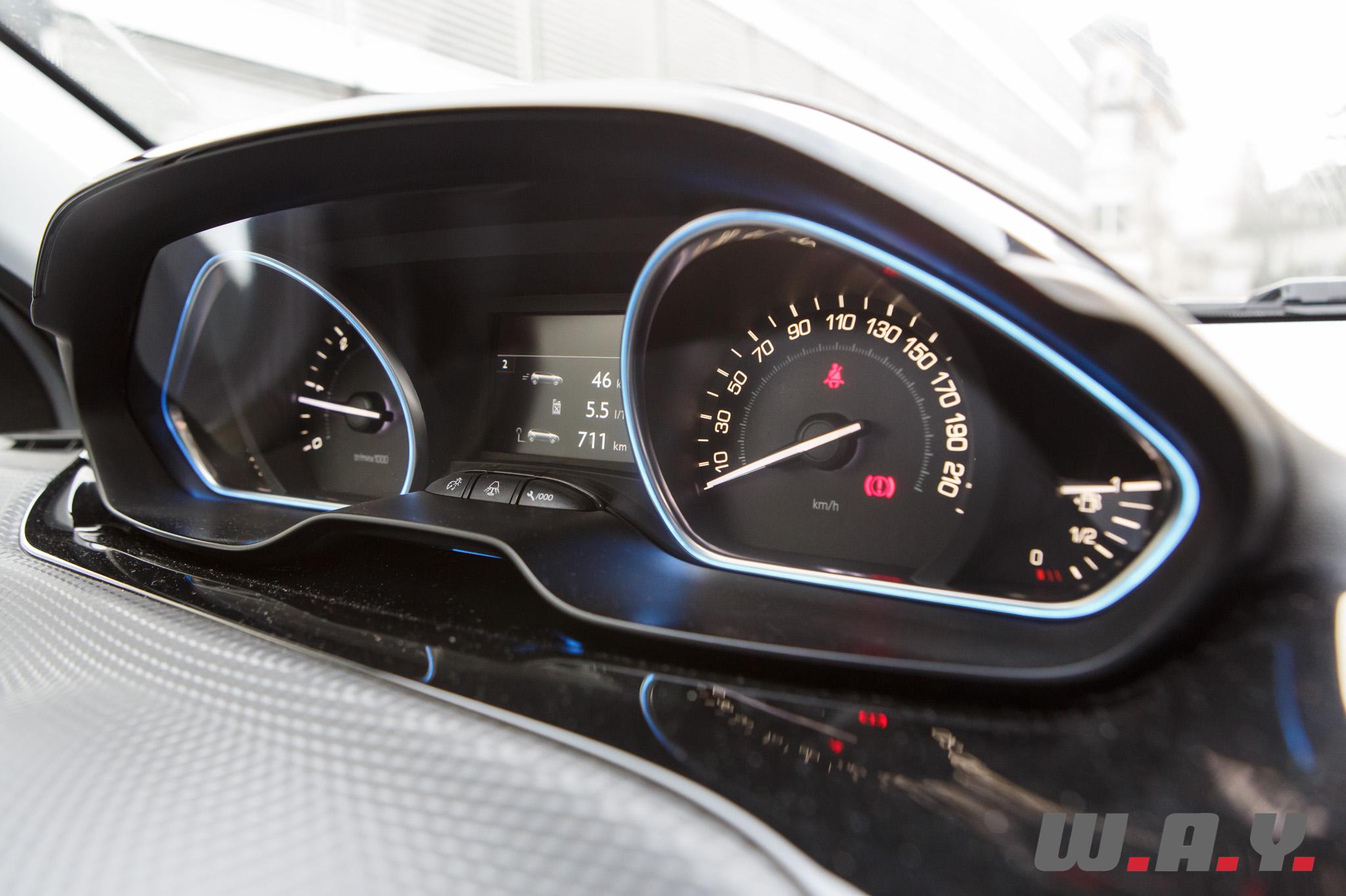 Peugeot2008 08