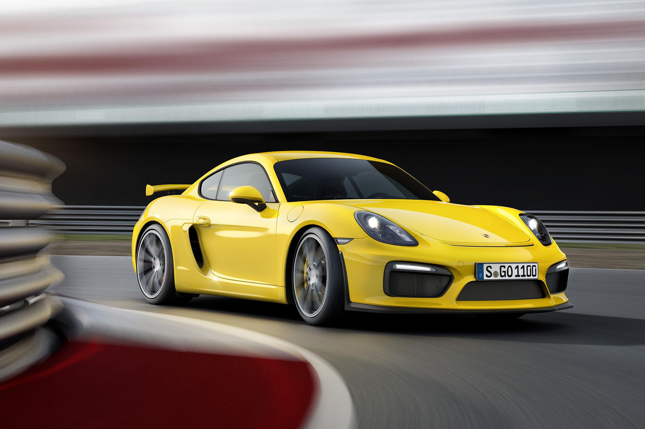 PorscheCaymanGT4 04