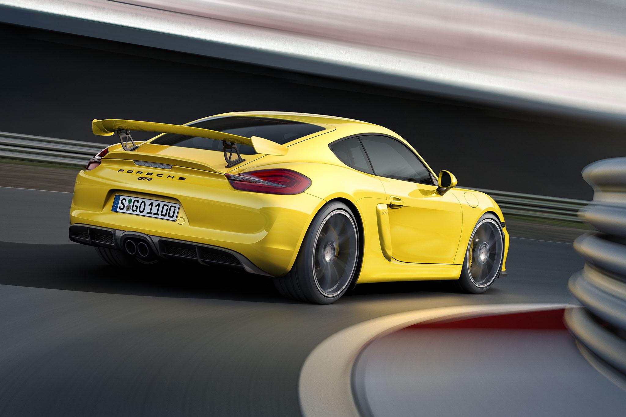 PorscheCaymanGT4 05