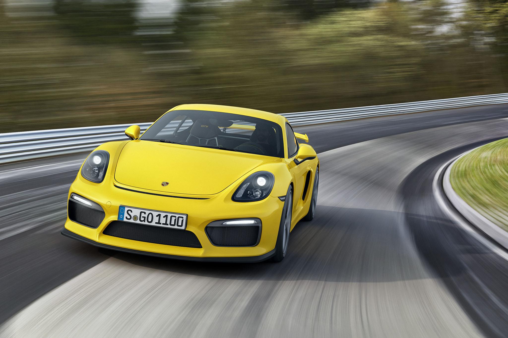 PorscheCaymanGT4 09