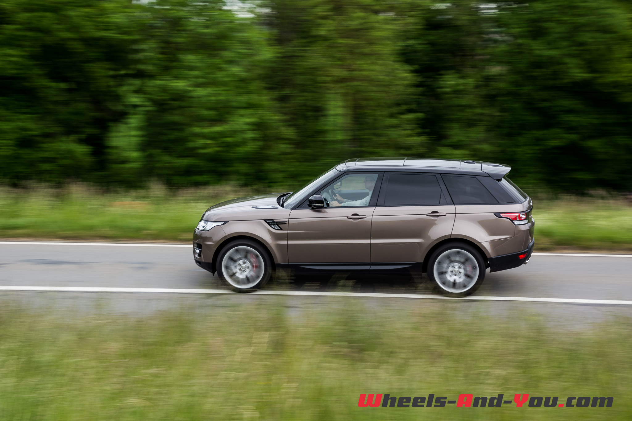 essai range rover sport 3 0 sdv6 hybrid l esprit range reste intact wheels and. Black Bedroom Furniture Sets. Home Design Ideas