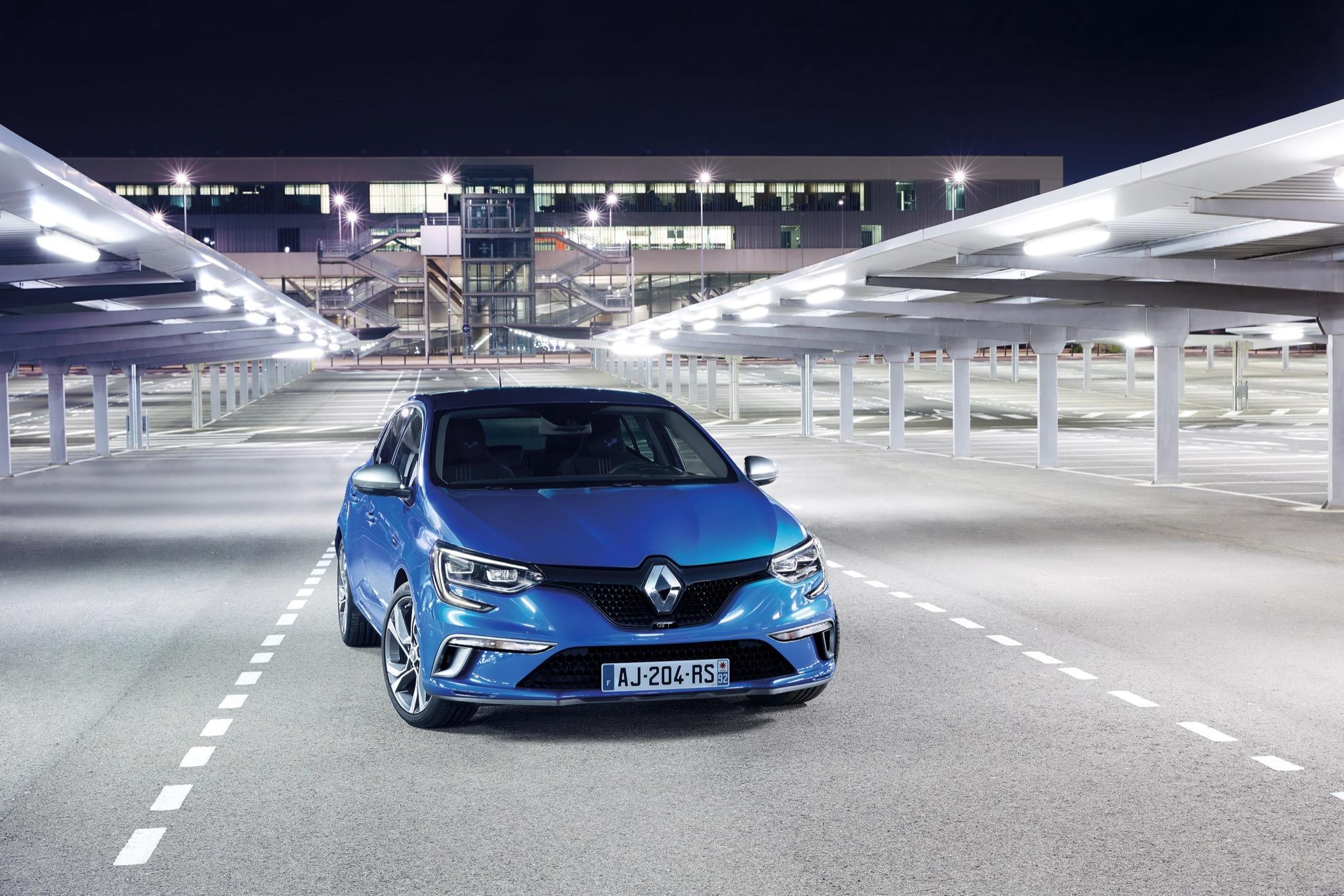 RenaultMeganeMk4 01