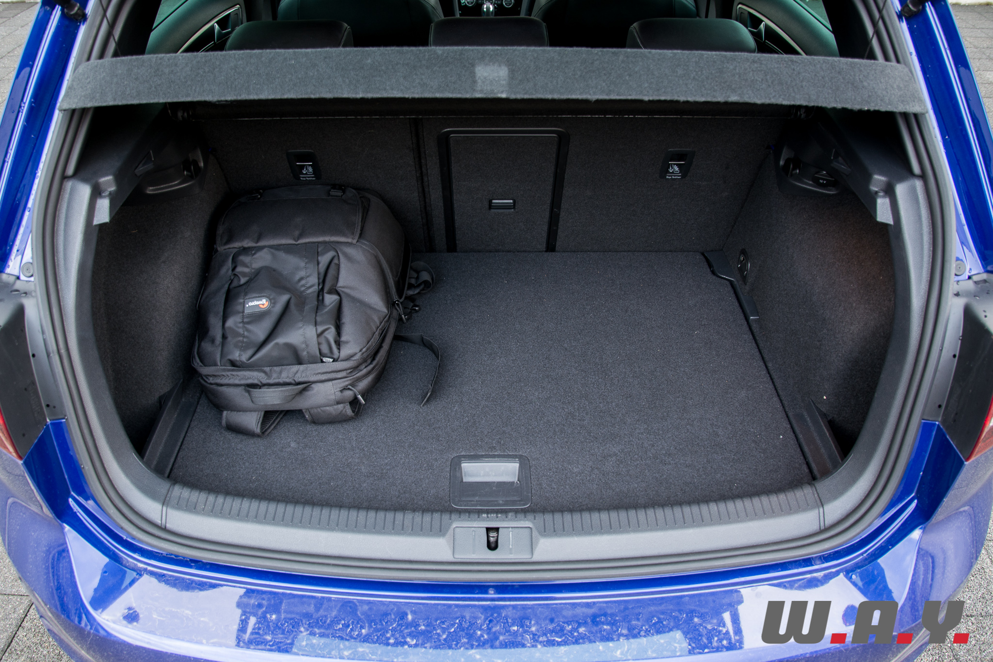 VWGolfR-18