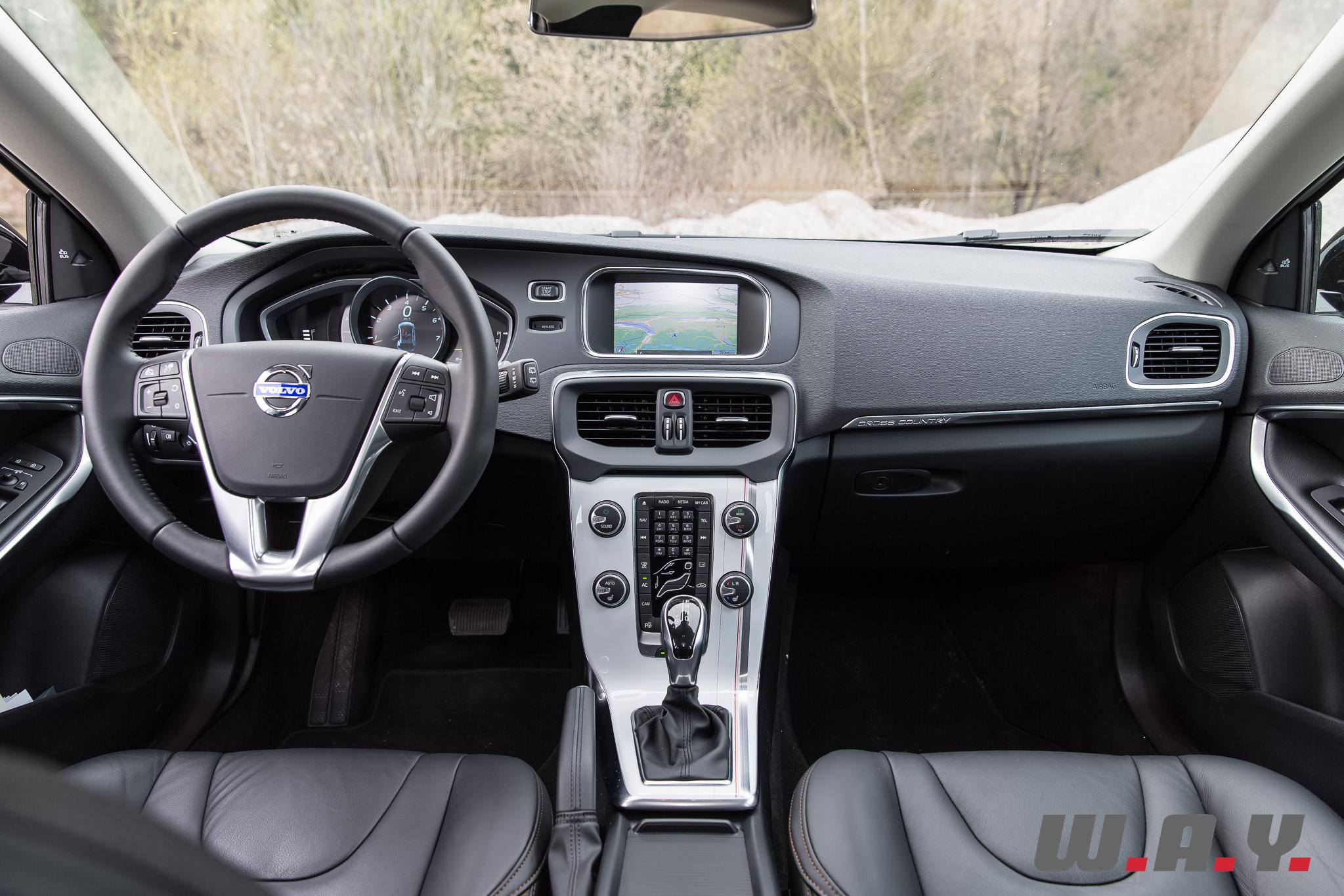 VolvoV40CrossCountryT4AWD-35