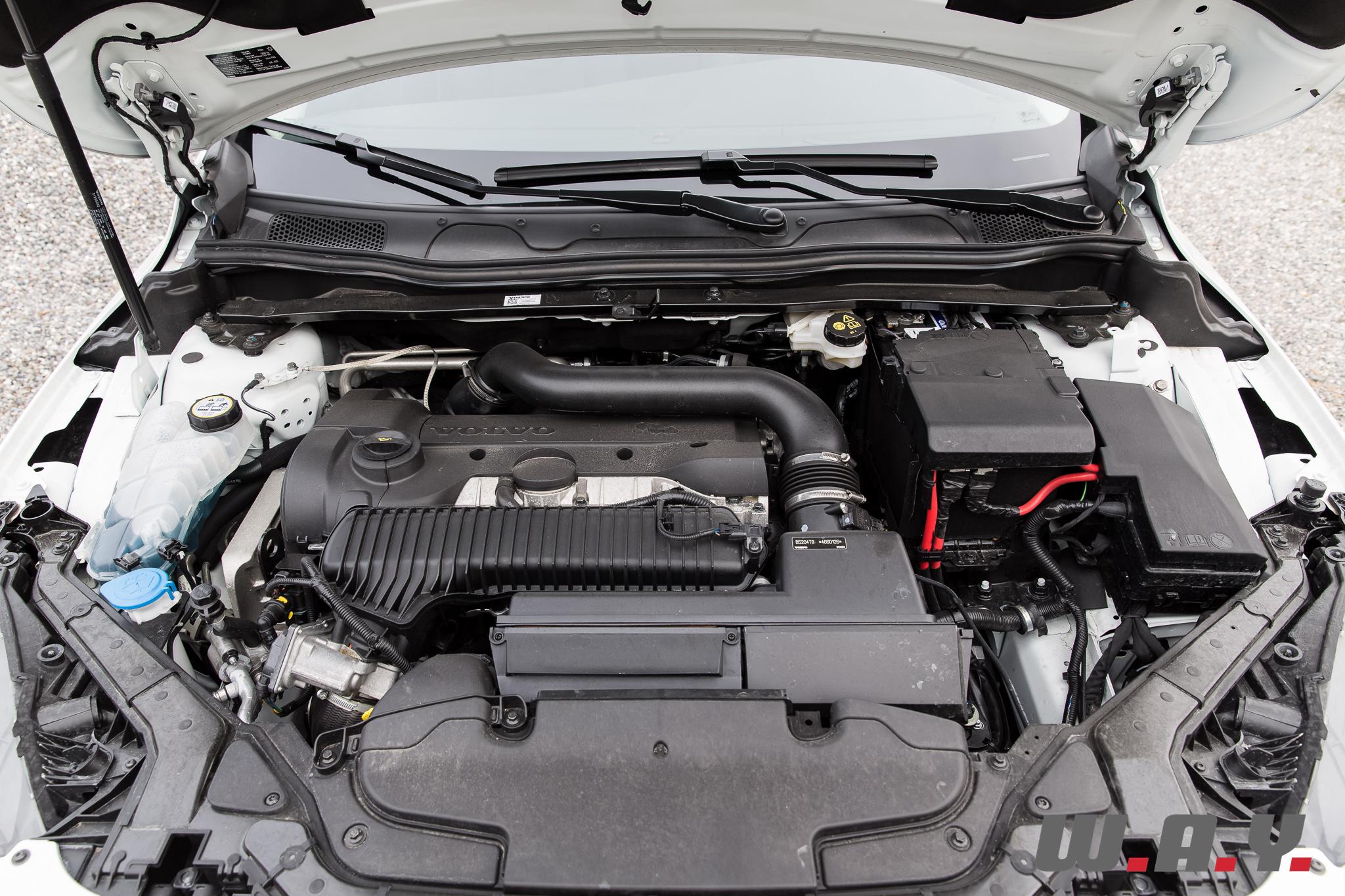 VolvoV40CrossCountryT4AWD-36