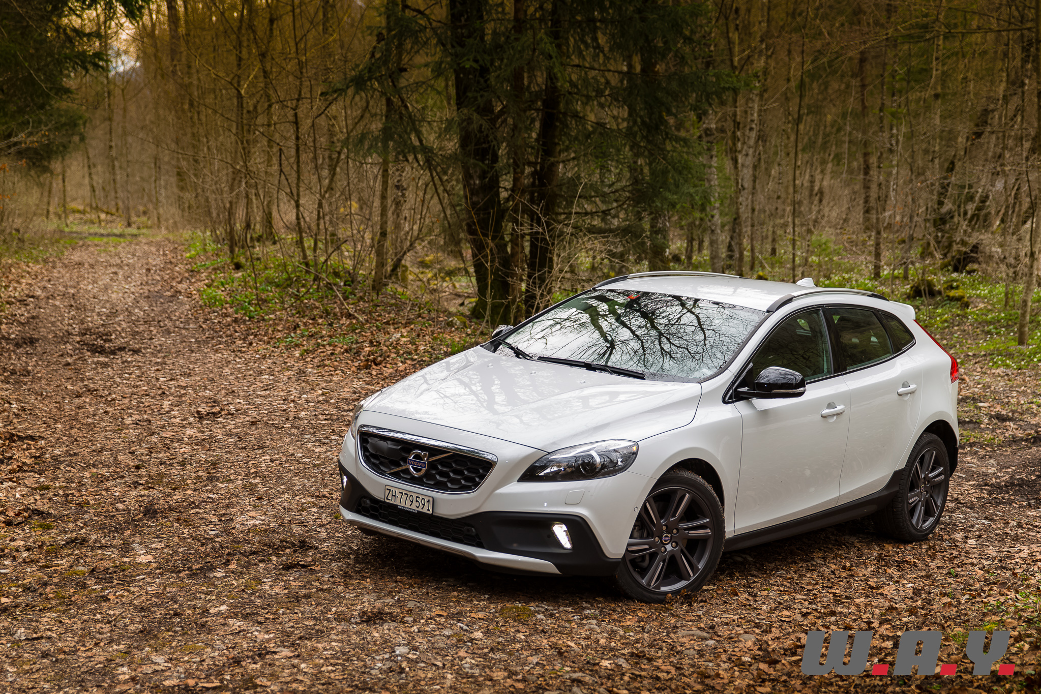 essai volvo v40 cross country t4 awd l alternative scandinave wheels and. Black Bedroom Furniture Sets. Home Design Ideas