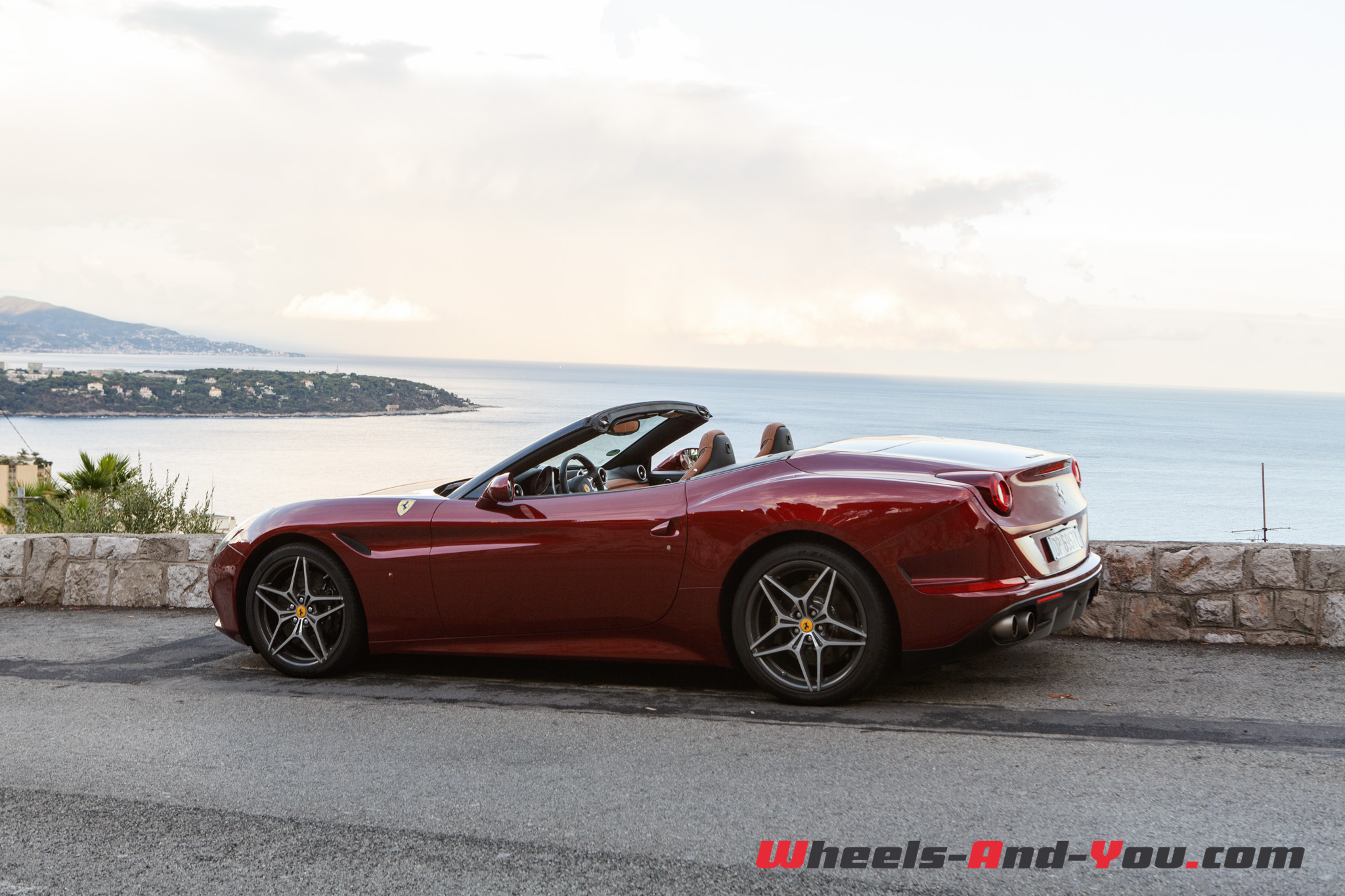 essai ferrari california t le cheval cabr passe au turbo wheels and. Black Bedroom Furniture Sets. Home Design Ideas