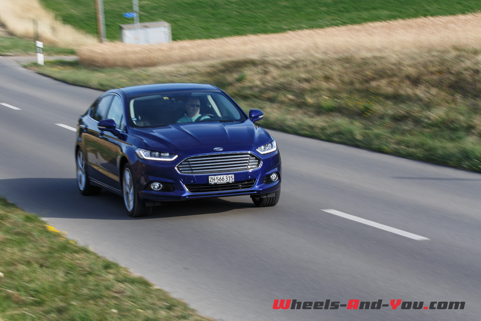 ford mondeo-1